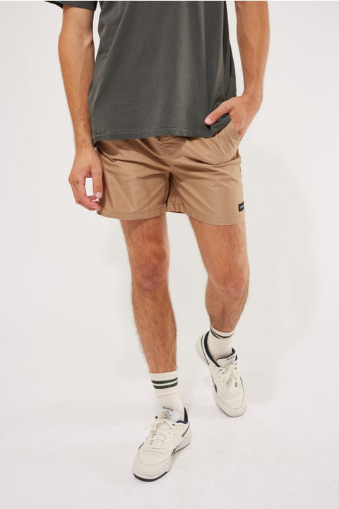 Common Need Cruise EW Short Tan