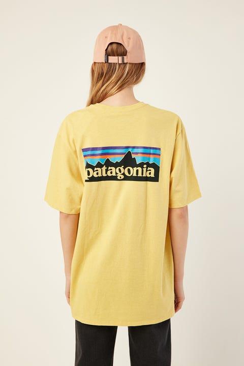 Patagonia M's P-6 Logo Tee Surfboard Yellow