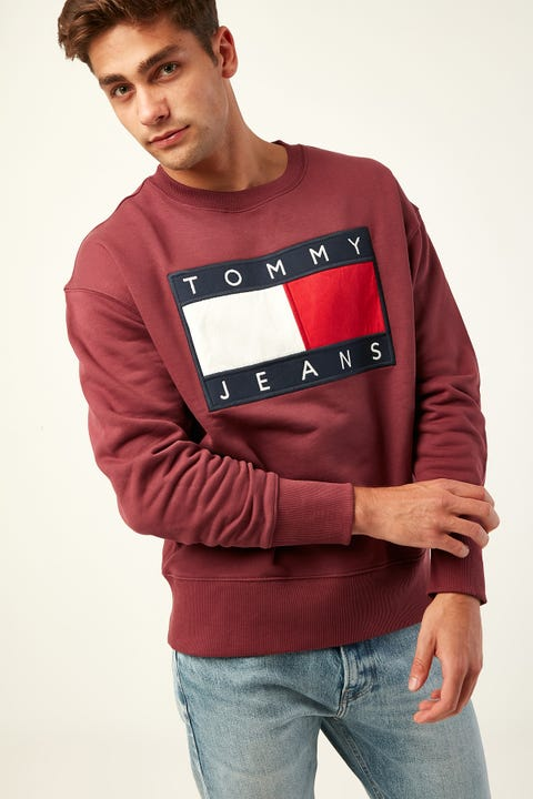 TOMMY JEANS TJM Tommy Flag Crew Burgundy
