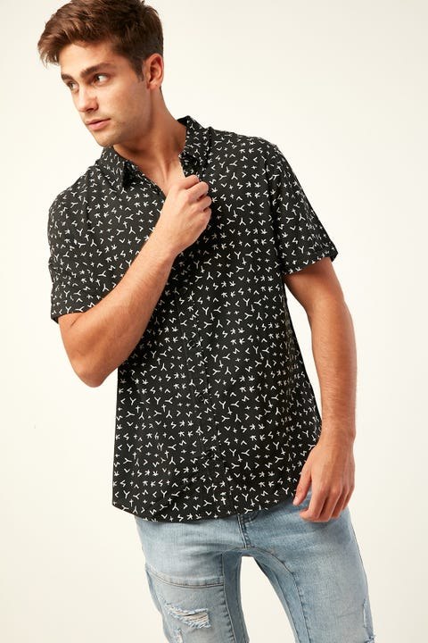 Kiss Chacey Pronounce SS Casual Shirt Black