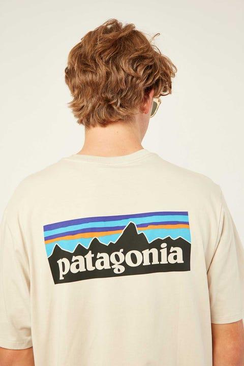 PATAGONIA M's P-6 Logo Organic Tee Pumice