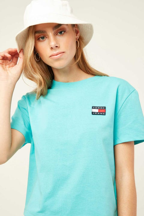 TOMMY JEANS Badge Tee Fresh Aqua