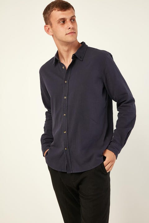 COMMON NEED Old Fashioned Longsleeve Shirt Navy