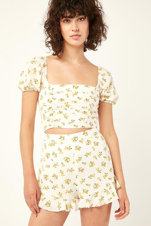 Perfect Stranger Ava Frill Hem Short Yellow Print
