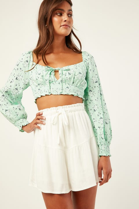 LUCK & TROUBLE Tiered Short White