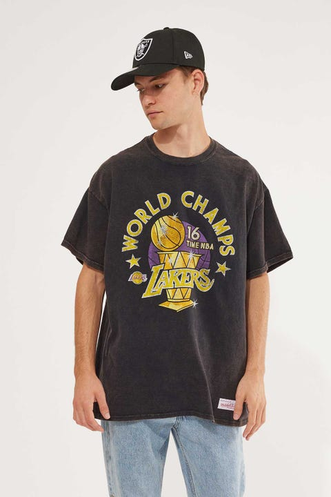 Mitchell & Ness LA Lakers World Champs SS Tee Lakers Black