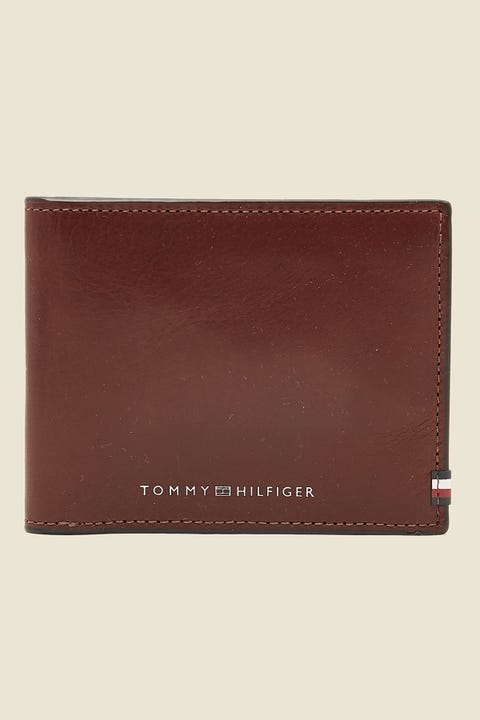 TOMMY JEANS Polished Leather Mini CC Wallet Chestnut