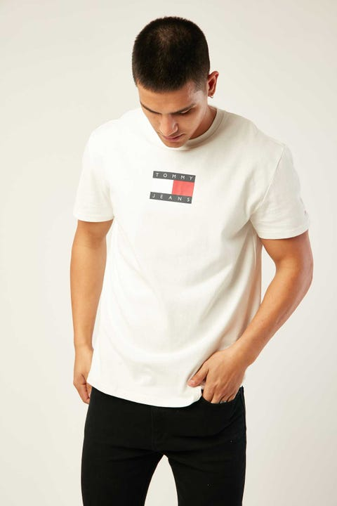 TOMMY JEANS TJM Small Flag Tee White
