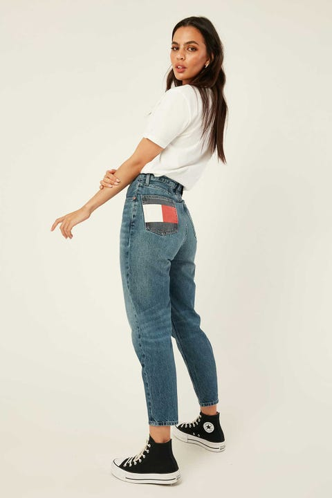 TOMMY JEANS Mom Jean HR Tprd Save Pf Mid Blue
