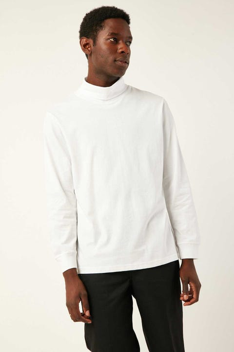 COMMON NEED Heelflip Turtleneck White