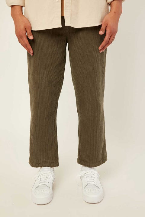 COMMON NEED Barrel Cord Pant Olive