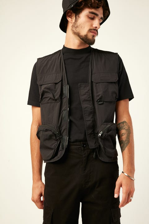 COMMON NEED Deploy Utility Vest Black