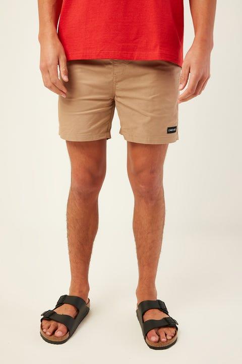 COMMON NEED Slim Cruise Short Tan
