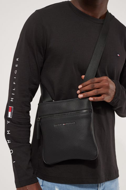 Tommy Jeans Essential Mini Crossover Black
