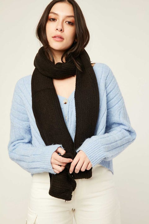 TOKEN Weekday Knit Scarf Black