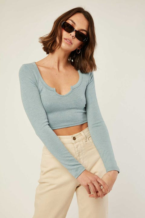 L&T Notched Longsleeve Top Cloudy Blue