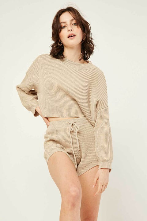 PERFECT STRANGER Cuddle Up Short Oat