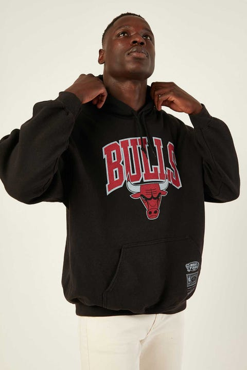 Mitchell & Ness Bulls Hoodie Washed Black