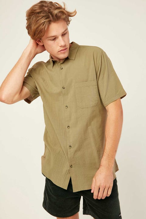 COMMON NEED Stanley Crinkle Shirt Moss Green