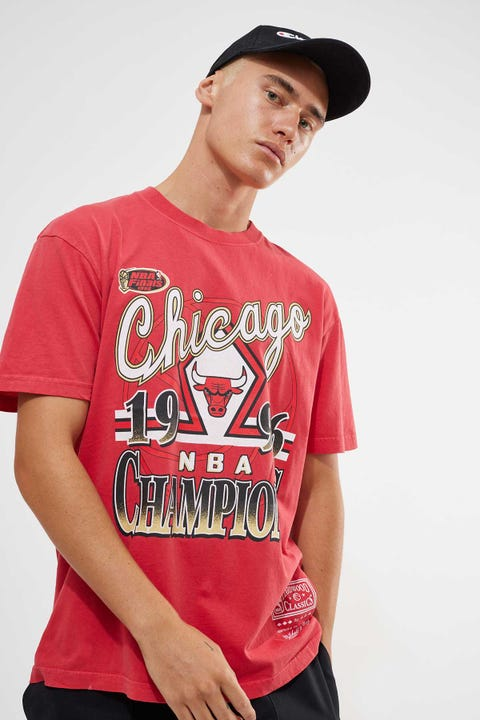 Mitchell & Ness Vintage Bulls Champs Tee Faded Red