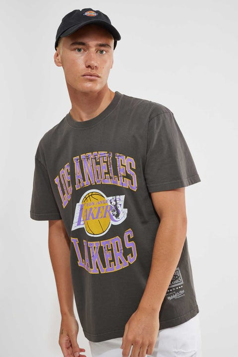 Mitchell & Ness Vintage Lakers Crest Tee Faded Black