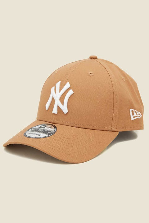 NEW ERA 9Forty NY Yankees Clothstrap Wheat/White
