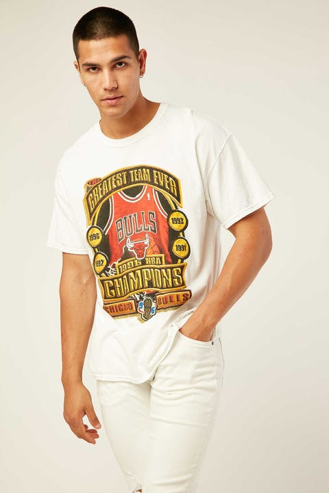 Mitchell & Ness Bulls Last Dance Greatest Team Tee Vintage White