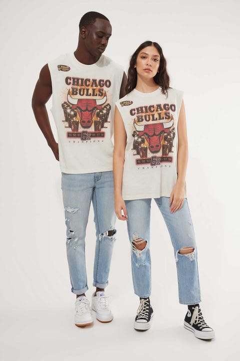 Mitchell & Ness Bulls Last Dance 6X Champs Muscle Tee Vintage White