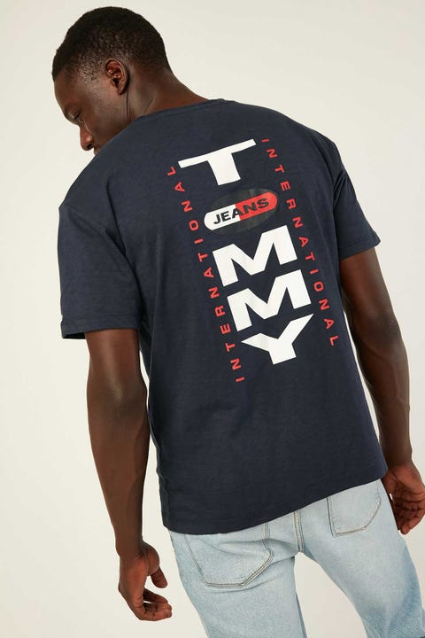 TOMMY JEANS TJM Vertical Logo Tee Twilight Navy