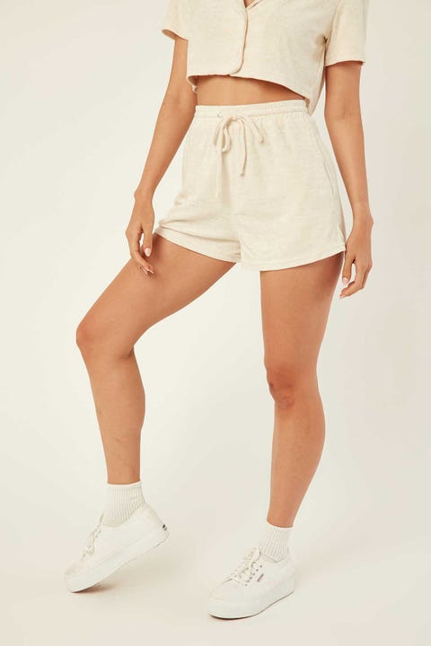 PERFECT STRANGER Terry Elastic Short Sand