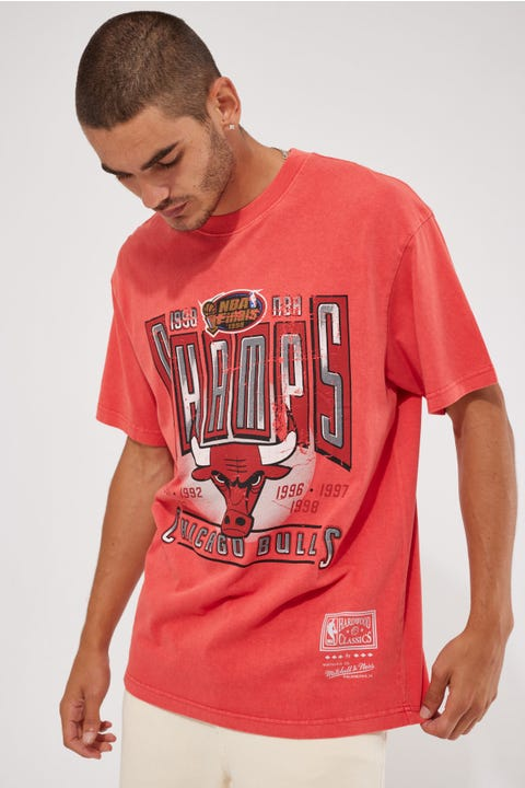 Mitchell & Ness Vint Winner Takes All Bulls Tee Faded Red