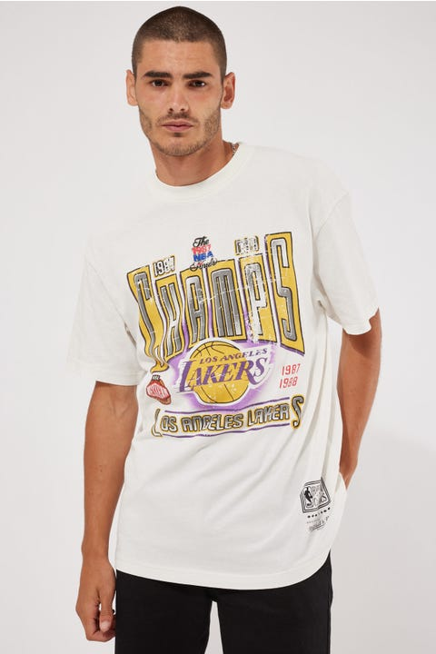Mitchell & Ness Vint Winner Takes All Lakers Tee Vintage White