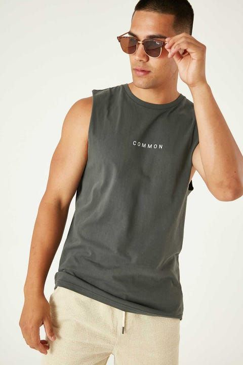 Common Need Seize Muscle Tank Washed Black