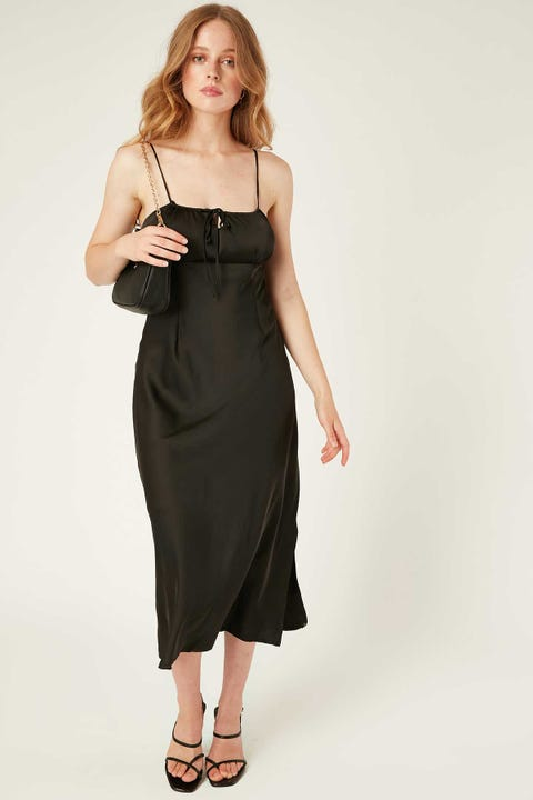 PERFECT STRANGER Drawn To Me Midi Dress Black