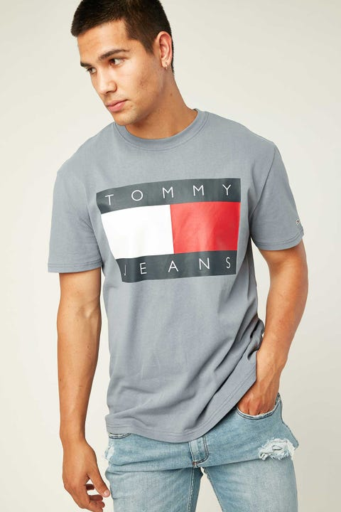 TOMMY JEANS TJM Tommy Flag Tee Faded Ink