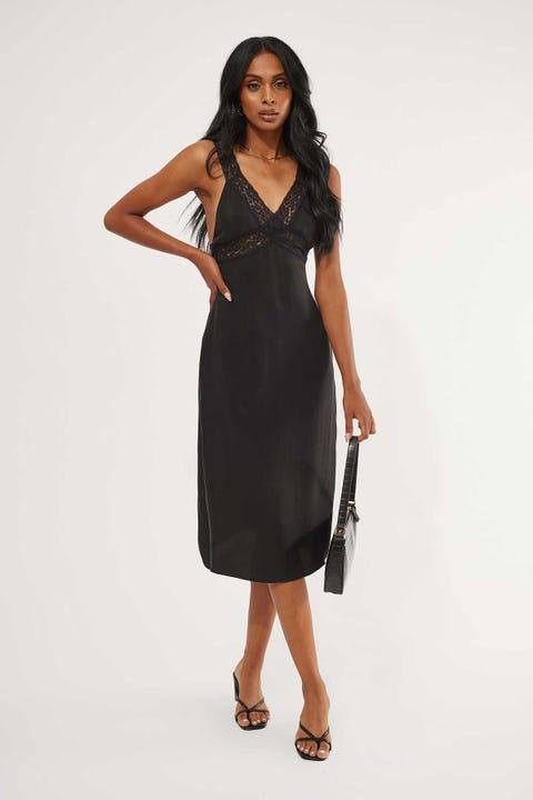 Perfect Stranger Midnight Lace Midi Dress Black