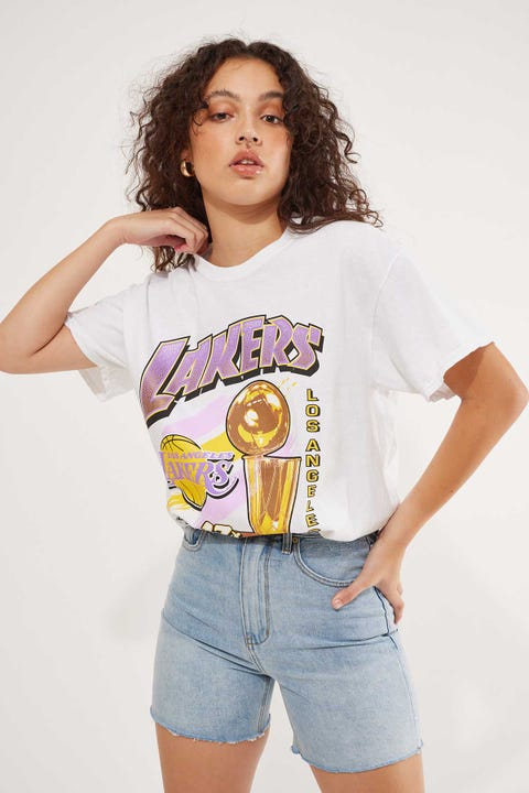 Mitchell & Ness Lakers Vin 17 Times Champs Tee Vintage White