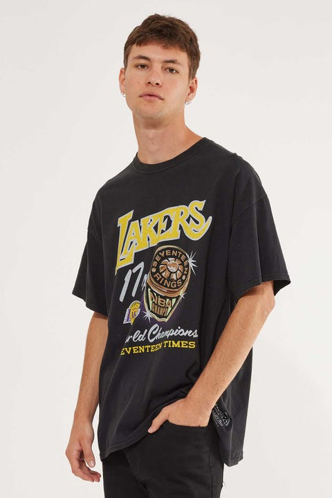 Mitchell & Ness Lakers Bling Ring Tee Faded Black