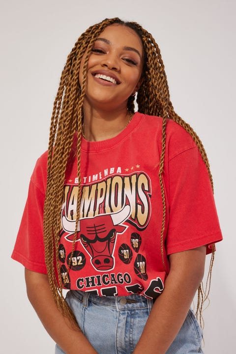 Mitchell & Ness Bulls Vintage World Champs Tee Faded Red