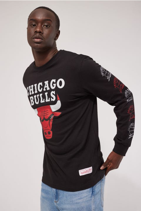 Mitchell & Ness Bulls Split Logo Repeat LS Tee Black