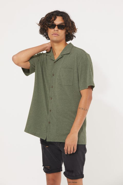 Common Need Studio Resort Collar Knit Shirt Green