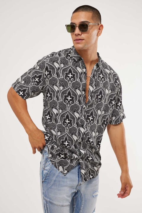 Kiss Chacey Cardinal Relaxed Short Sleeve Shirt Black/Stone Print