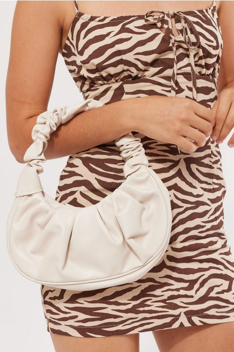 Token Scrunchie Bag White
