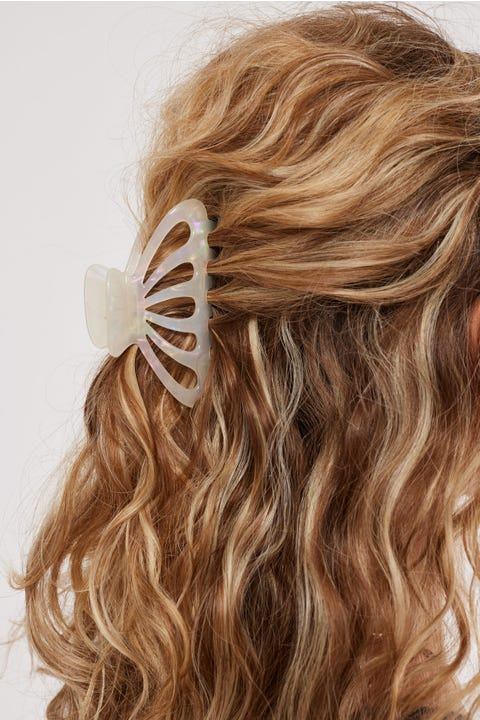 Token Dazzle Hair Claw Pearly White
