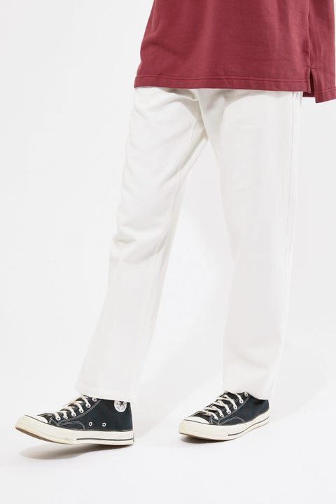 Common Need Albert Baggy Jean Off-White